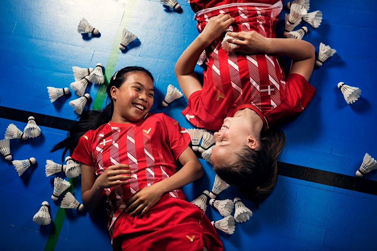 Artikelbillede - fjerbolde - medlem - medlemmer - klub - klubber - glæde - fællesskab - piger - VICTOR - fjerbolde - Photoshoot - Emil Lyders