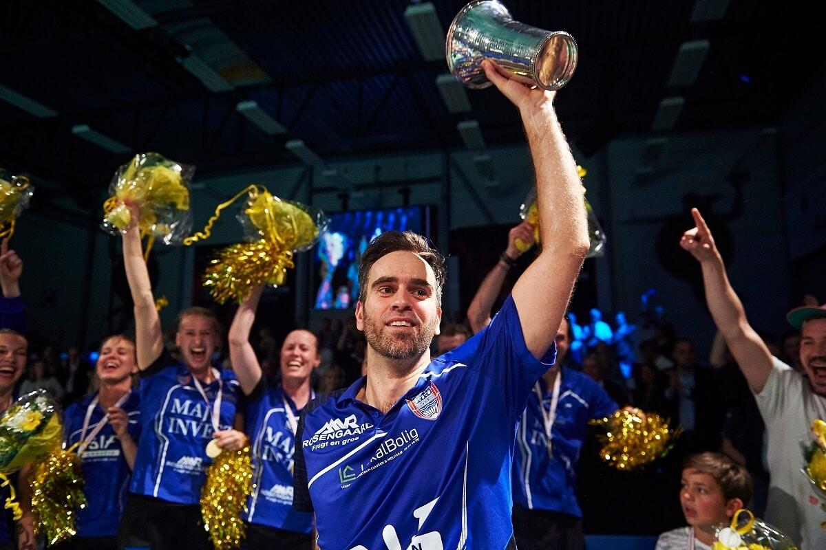 Frederiksberg Hallerne - Final 4 - Ligafinalen - Badmintonliga - Skovshoved - Joachim Fischer - Pokal - Titel - Glæde - Lars Rønbøg - Oplevelse