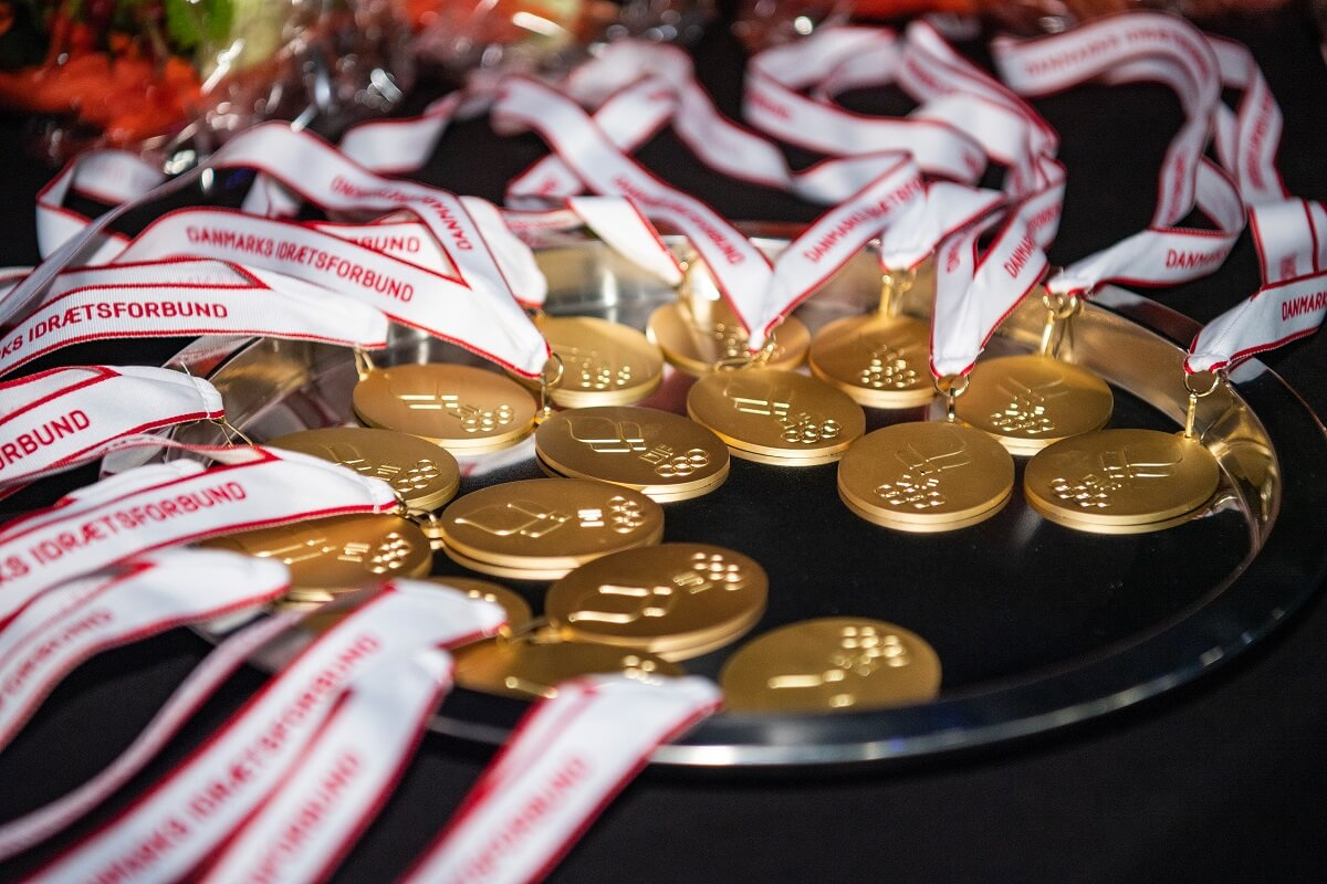Turneringer - Holdturnering - Nationale holdmesterskaber - Lars Møller - DIF - Badmintonligaen - Guldkampen - Badmintonligaen - Ligafinalen - Ligafinale - guldmedaljer - medaljer - Final 4 - DIF - RSL Final 4 -