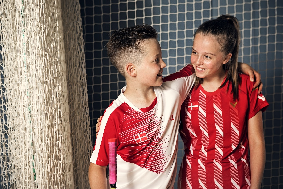 Artikelbillede - fjerbolde - medlem - medlemmer - klub - klubber - glæde - fællesskab - piger - VICTOR - FZ FORZA - drenge - fjerbolde - Photoshoot - Emil Lyders